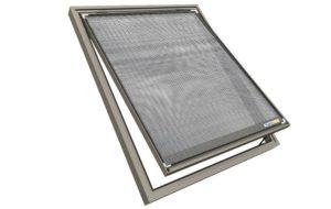 Dachfenster mit Sonnenschutz