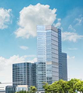 Sonneschutzfolien an großen Gebäuden